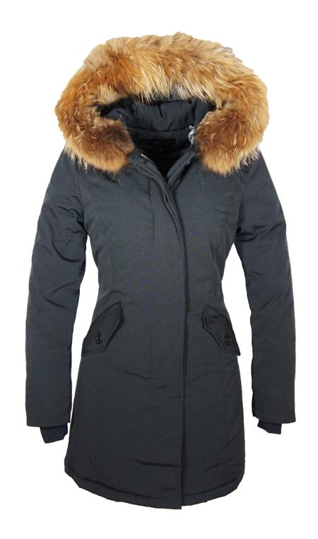Dames winterjassen Ben je op zoek naar een goede winterjas, dan koop je waarschijnlijk het liefst een exemplaar waarmee je meerdere jaren voor de dag kan komen. De winters in Nederland zijn immers niet van dien aard dat je het halve jaar met je winterjas aan loopt, dus slijten zal .