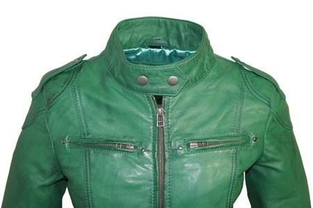 Groen leren dames jasje basic model Versano Als je op zoek bent naar een moderne basic leren jas zonder toeters en bellen, dan is het groen leren dames .