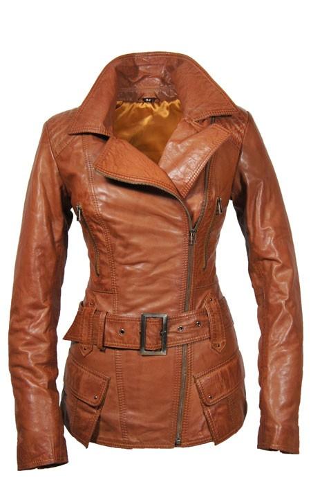 Dames Leren Jassen De mooiste leren jasjes voor dames bij Leather Shop Doci. Dames, bent u op zoek naar een mooie leren jas? Is het tijd om een nieuwe jas aan te schaffen en lijkt het u leuk om (weer) een keer in een mooie leren jas te lopen? Dan raden wij u van harte aan om eens een kijkje te komen nemen bij Leather Shop Doci.